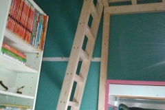 Kinderhochbett mit Schutznetz
